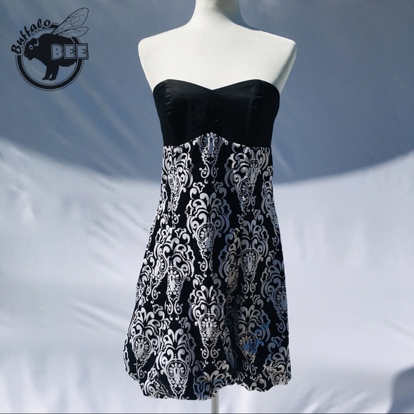White House Black Market Dresses & Skirts - White House Black Market strapless bubble dress 6